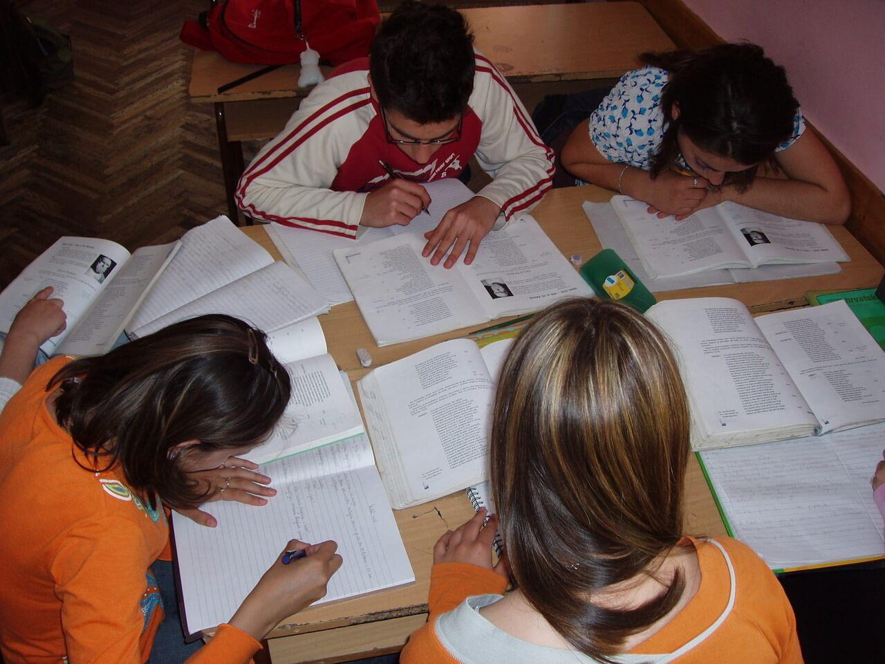 السنة الرابعة متوسط سنة مصيرية لطالب الجزائري